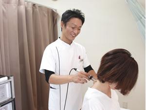 肩の痛み・頭痛の施術